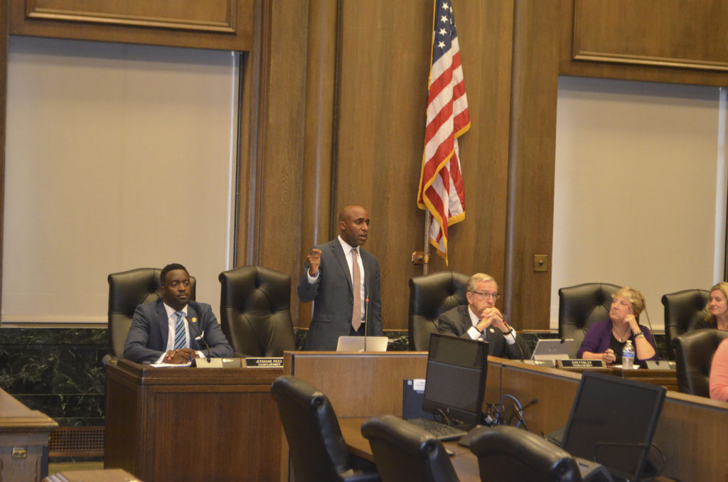 3rd District Councilman Quinton Lucas advocates for Ordinance No. 160383 during the Thursday, September 22 City Council meeting.