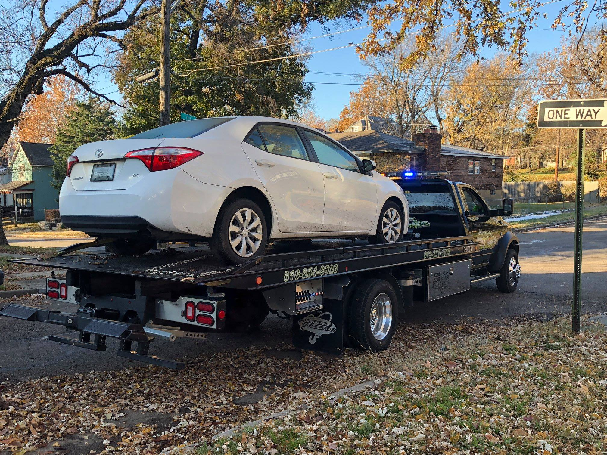 Northeast News Kansas City Police Remove Abandoned Cars Off